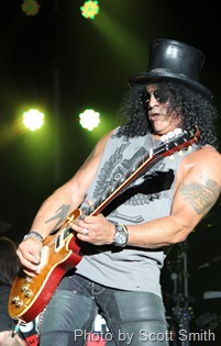Slash Performs at Rocklahoma